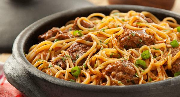 Linguini com Ragu de Barreado